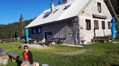 Taborniški dom na Šiji – Homely Hospitality and Hiking at the Scouts' Hut on Šija